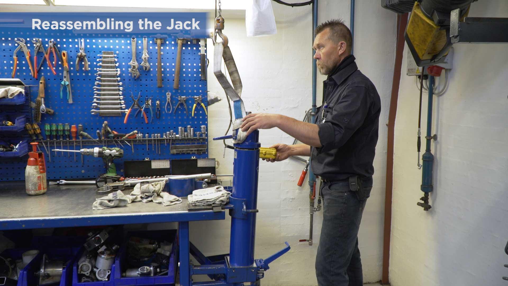AC Hydraulic: Med en instruktionsfilm sparer vi tid og giver en ekstra service til vores kunder 1